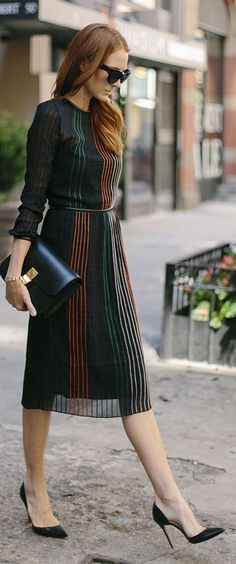 Vertical Stripes Midi Dress Fall Inspo - Total Street Style Looks And Fashion Outfit Ideas