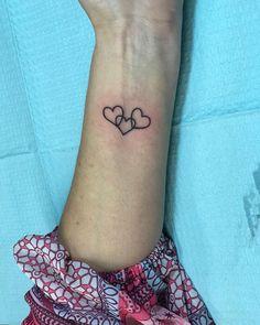 Heart tattoos sleeve – herz tattoos Ärmel – manches tat… – foot tattoos for women Heart Tattoos With Names, Love Heart Tattoo, Little Heart Tattoos, Small Heart Tattoos, Heart Tattoo Designs, 3 Hearts Tattoo, Wrist Tattoos, Foot Tattoos, Sleeve Tattoos