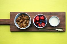 A super chunky homemade granola in under 30 minutes. It has Maca Powder and almonds for flavour and a boost of nutrients to start your day. This recipe is vegan Create A Recipe, What's Cooking, What To Cook, Meals For The Week, Almonds, Tray Bakes, Granola, Powder, Treats