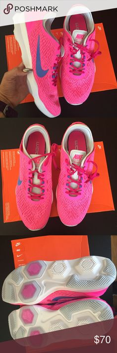 NIKE WOMENS ZOOM PINK POW Sz 11 new NIKE WOMENS ZOOM PINK POW Sz 11 new box is missing lid item#cdel30 Nike Shoes