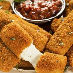 These Breaded mozzarella sticks are a yummy snack, serve hot with marinara sauce or any favorite dipping sauce. Breaded Mozzarella Sticks Recipe from Grandmothers Kitchen. Finger Food Appetizers, Finger Foods, Appetizer Recipes, Snack Recipes, Cooking Recipes, Yummy Snacks, Yummy Food, Mozzarella Sticks Recipe, Dips