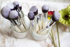 Can you guess which was the new and old #nanshy #makeup #brushes?   Credits to @Fashstyleliv xx
