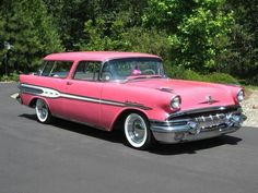 Question: When is a Nomad not a Nomad? Answer: When it's a Pontiac Safari! Pontiac made these badass 2 door hardtop wagons in and 1957 Rare to see today, but BEEE-YOU-TE-FULL! Buick, General Motors, Muscle Cars, Vintage Cars, Antique Cars, Station Wagon Cars, Automobile, Chevy Nomad, Pink Truck
