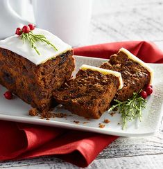 The holidays are the perfect time to sample traditional foods from around the world - learn about our most popular global bites! Global Holidays, High Tea Food, Christmas Tea, Holiday Treats, Afternoon Tea, Banana Bread, Food Photography, Traditional, British Isles