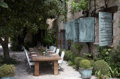Beautiful Outdoor Dining in France