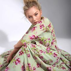 Astrid S, Shes Amazing, Lush Garden, Colourful Outfits, Girl Crushes, What To Wear, Kimono Top, Sundresses, Couture