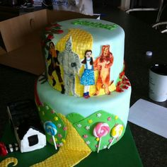 Wizard of Oz cake.