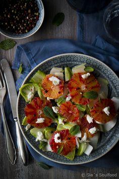 Chicorée-Salat mit Blutorangen und Mozzarella I Chicory salad with blood oranges and mozzarella