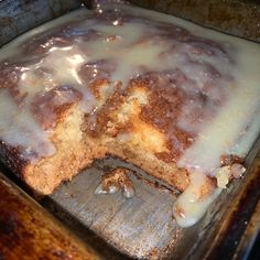 The addition of ginger makes this recipe a unique twist on traditional South African malva pudding, served with a hot caramel sauce on top. Tart Recipes, Pudding Recipes, Dessert Recipes, Ginger Pudding Recipe, South African Desserts, Easy Banana Pudding, Malva Pudding, Milk Tart, Tandoori Masala