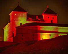 Hämeen linna at night #castles #visitfinland #finland #hämeenlinna