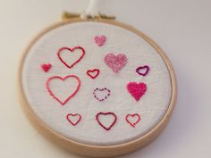 Cute pink hearts embroidery, framed in hoop. on Etsy, € Sewing Notions, Cute Pink, Coin Purse, My Etsy Shop, Cross Stitch, Pink Hearts, Colours, Embroidery, Hoop