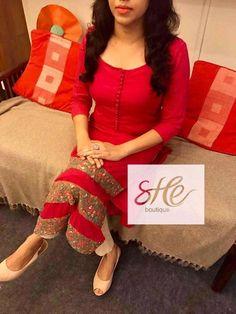 Amazing idea to make this kurti, it's eye catching. Salwar Designs, Kurta Designs Women, Kurti Designs Party Wear, Dress Indian Style, Indian Outfits, Indian Attire, Indian Dresses, Stylish Dresses, Simple Dresses
