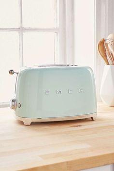 Kitchen decor : mint toaster