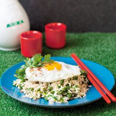 Bibimbap: This dish is similar to fried rice, except that the spinach provides a fabulous vitamin A content. Recipe Search, Fried Rice, Baking Recipes, Delicious Desserts, Spinach, Vitamins, Content, Dishes, Cooking