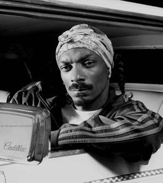 Listen to every Snoop dogg track @ Iomoio