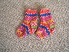 Hetty's happy days!: pattern for the baby socks...