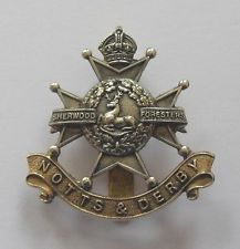 BRITISH ARMY CAP BADGE. THE SHERWOOD FORESTERS ( NOTTS AND DERBY REGIMENT ).