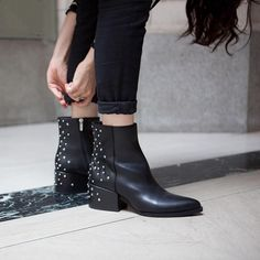 Killer street style straight from #DTLA #NastyGalsDoItBetter || Shop boots http://www.nastygal.com/shoes?utm_source=pinterest&utm_medium=smm&utm_content=nastygals_do_it_better&utm_campaign=pinterest_ngdib