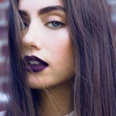 dark plum lips