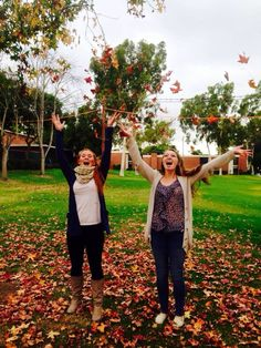 Creative best friend pictures fall leaves  autumn