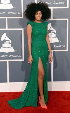 Solange Knowles in emerald green! #pantone #coloroftheyear