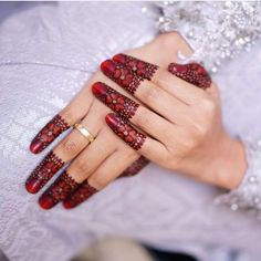 11 Beautiful Mehndi Designs Which You Don't Want To Miss! Finger Henna Designs, Modern Mehndi Designs, Mehndi Designs For Fingers, Wedding Mehndi Designs, Unique Mehndi Designs, Mehndi Design Pictures, Beautiful Mehndi Design, Latest Mehndi Designs, Henna Tattoo Designs