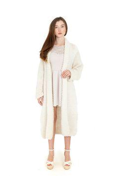 KNITTED CARDIGAN  Крупная вязка  Материал : 100% wool карпатских овец  Размер: один размер КАРДИГАН ВЯЗАНЫЙ крупная вязка Материал: 100% шерсть карпатских овец Вязаний кардиган Матеріал: 100% шерсть карпатських овець Розмір: один розмір Размер: один размер #cardigan #fashion #designer #кардиган #кардиган#одежда#мода