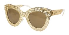 The edgy metal design of these Retro Lace Sunglasses is sure to turn heads!