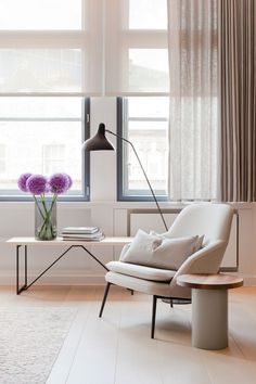 "Renovated London Penthouse Exudes ""New York Loft"" Feel - http://freshome.com/London-Penthouse/"