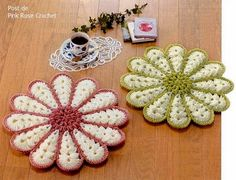 presina fiore uncinetto | Hobby lavori femminili - ricamo - uncinetto - maglia Crochet Earrings Pattern, Crochet Coaster Pattern, Granny Square Crochet Pattern, Crochet Flower Patterns, Crochet Flowers, Crochet Potholders, Crochet Pillow, Crochet Doilies, Granny Square Häkelanleitung