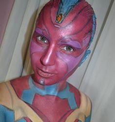 Como prometido segue o segundo personagem de #civilwar que eu mais gostei: #Vision  Adorei toda a história por tras do amor platônico dele pela Feiticeira Escarlate!  Agora tem que juntar forças para tirar a maquiagem :) #maquiagem #makeup #maquiadora #makeupartist #fotd #sugarpill #makeupforever #quemdisseberenice #colombinaclownmakeup #catharinehill  #casadamaquiagem #cosplay #cosplaybrasil #cosplaybr #maquiagemcosplay #cosplaymakeup #captainamericacivilwar #captainamerica #bodypainting…