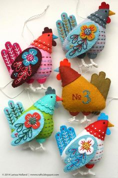 French Hen PDF pattern for a hand sewn wool felt ornament 2019 . The post French Hen PDF pattern for a hand sewn wool felt ornament 2019 appeared first on Wool Diy. Felt Crafts, Easter Crafts, Holiday Crafts, Hand Sewn Crafts, Christmas Fabric Crafts, Sewing Crafts, Sewing Projects, Felt Projects, Chicken Crafts