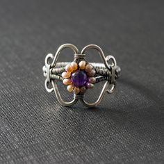 Margherita Ring tutorial, but you have to sign up (free) first. ugh..