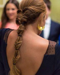 ¿Quién no quiere lucir una trenza de @marietahairstyle para convertirse en la invitadaperfecta?más inspiración en el blog ((link en bio)) #marietahairstyle #trenzas #braids #invitadaperfecta #perfectguest #guest #invitadas #weddings #boda #weddinday #weddingstyle #invitadastop #inspiracionbodas #peinados #weddinginspo #weddingblog #blogbodas #MyValentine