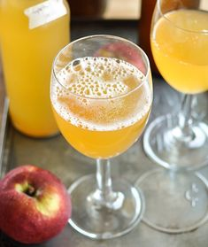 How to make your own sparkling cider. Easy.
