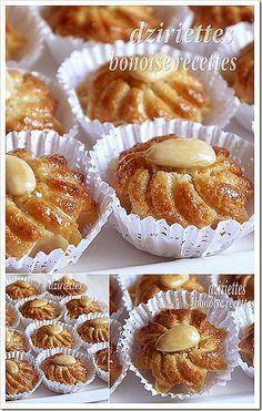 Gateau Algerien dziriettes - i can't say it. Mini Desserts, Cookie Desserts, Cookie Recipes, Dessert Recipes, French Macaroon Recipes, French Macaroons, Moroccan Pastries, Eid Cake, Middle Eastern Desserts
