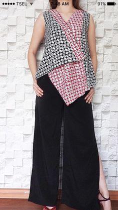 Blouse Batik, Batik Dress, Kurti Neck Designs, Blouse Designs, Batik Kebaya, Batik Fashion, Full Figure Fashion, Emo Outfits, Fashion Outfits