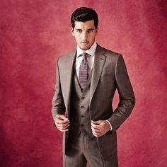 Conheça um pouco da história e do perfil da Ermenegildo Zegna, uma grife de moda masculina dedicada a criar os mais perfeitos ternos e costumes.