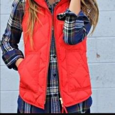 Cute fashion for fall, flannel and quilted vest Cute Fashion, Look Fashion, Fall Fashion, Fall Winter Outfits, Autumn Winter Fashion, Winter Style, Sweater Weather, Looks Style, My Style