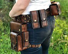 Leather utility belt with hip bag / Pocket Belt / Belt bag Leather Utility Belt, Leather Belt Bag, Leather Holster, Leather Tooling, Steampunk Accessoires, Hip Bag, Leather Projects, Leather Craft, Mens Fashion