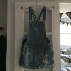 Madewell Adirondack Shortalls size small Madewell Short Overalls--only worn twice! Sold out in this wash! Madewell Shorts