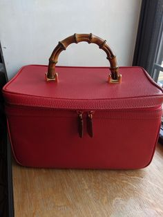Too good not to share: RARE Gucci vintage vanity case red