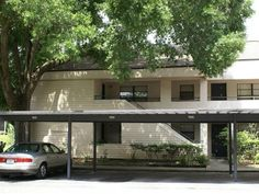 The unit is located in the gated community of River Oaks a waterfront condo community along the beautiful Hillsborough River in Tampa.