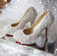 pearl and lace wedding shoes..I WANT THESE SOOOO BAD!!!!!! :) :) :)