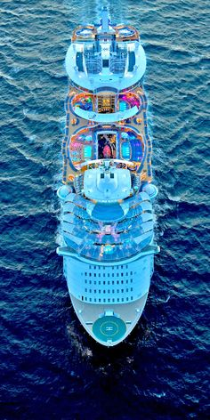 Symphony of the Seas is packed with things to do and onboard cruise activities for families and adults. Disney Cruise Pictures, Cruise Ship Pictures, Biggest Cruise Ship, Best Cruise Ships, Cruise Travel, Cruise Vacation, Bateau Yacht, Symphony Of The Seas, Royal Caribbean Cruise