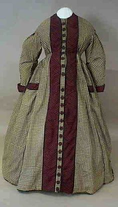 Victorian Maternity Dress | Wrapper and/or maternity dress