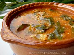 Pe o vreme ploioasa si friguroasa ca asta o ciorba de legume … Romanian Food, Romanian Recipes, Thai Red Curry, Soup Recipes, Bacon, Food And Drink, Supe, Meals, Ethnic Recipes