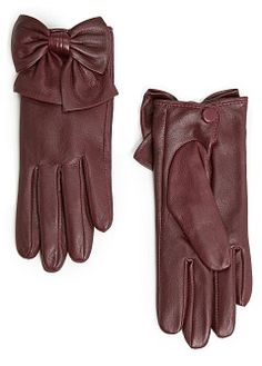 Leather gloves with a decorative bowknot, snap fastening at back and inner lining. Elegant Gloves, Gloves Fashion, Cashmere Gloves, Preppy Girl, Vintage Gloves, Mitten Gloves, Hand Gloves, Caps For Women, Winter Accessories