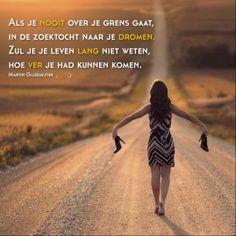 Ne dajte da u vama ubiju ljudskost ljudi koji je nemaju! Text Quotes, Yoga Quotes, Sad Quotes, Qoutes, Inspirational Quotes, Freedom Quotes, Courage Quotes, Carl Jung, Cool Words