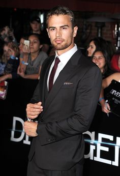 Hottest Photos of Theo James | POPSUGAR Celebrity UK